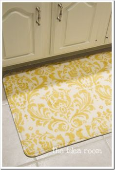 The Idea Room- great DIY and ideas. Why didn't I think of this? Pick the size & fabric -- DIY Memory Foam Rug via the idea room, love this! Diy Projects To Try, Home Projects, Home Crafts, Diy Home Decor, Diy And Crafts, Do It Yourself Design, Do It Yourself Baby, Do It Yourself Inspiration, Do It Yourself Furniture