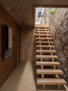 Home Stairs Design, Interior Stairs, Home Interior Design, House Design, Loft Stairs, House Stairs, Building Stairs, Floating Stairs, Wooden Stairs