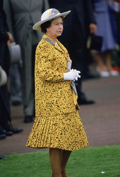 This year, Queen Elizabeth II, Britain's longest-reigning monarch turned To celebrate, take a look back at 94 of her best fashion moments through the years. Hm The Queen, Royal Queen, Her Majesty The Queen, Save The Queen, Elizabeth Philip, Princess Elizabeth, Queen Elizabeth Ii, Princess Diana, Vanity Fair