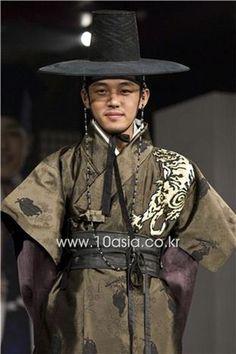 "Yoo Ah In in ""Sungkyunkwan Scandal"" 2010"