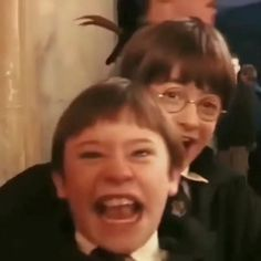 Harry Potter Gif, Young Harry Potter, Mundo Harry Potter, Harry Potter Pictures, Harry Potter Wallpaper, Harry Potter Universal, Harry Potter Characters, Harry Potter World, Harry Potter All Movies