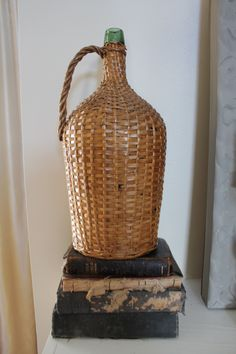This would be a cool find! Demijohn / demigiana