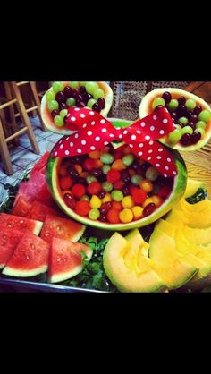 Minnie Mouse watermelon fruit bowl The Ultimate List of Minnie Mouse Craft Ideas! Cute Minnie Mouse crafts, Disney Party Ideas, DIY Crafts and fun food recipes. Theme Mickey, Mickey Mouse Baby Shower, Mickey Mouse Clubhouse Birthday, Baby Mickey, Mickey Birthday, Mickey Party, 2nd Birthday, Mini Mouse 1st Birthday, Minnie Mouse Birthday Party Ideas