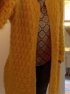 Mary Jacket (Skappel) Mary Jacket (Skappel)Ravelry: Malousine & # s Frühlingsjäckchen - # Frühlingsjäckchen # Malousine& # RavelryMine opskrifter Ravelry, Knitting Patterns, Knit Crochet, Knits, Cardigans, Blog, Inspiration, Fashion, Threading