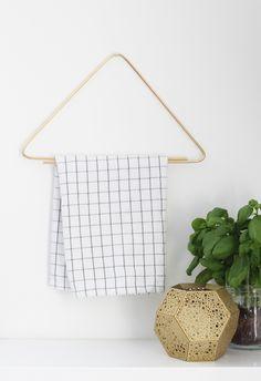 Bambula: DIY   kitchen towel rack