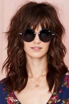 Cortes e Cores 2020 Peregrine Oliver🍁🕶🍂 Hairstyles With Bangs, Pretty Hairstyles, Long Shag Hairstyles, Long Shag Haircut, Shaggy Long Hair, Medium Hair Styles, Curly Hair Styles, Layered Hair, Great Hair
