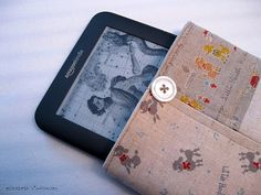 I haven't been able to bring my Kindle anywhere because I'm afraid it will get scratched. Today, I decided to make a sleeve for it and dec...