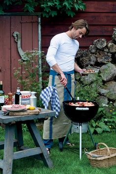 Does Dad love to Grill?  Get him this awesome apron for Father's Day! #AtHomeWtihMarieke