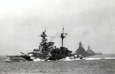 Italian Battleship Vittorio Veneto by StephenBarlow on DeviantArt Naval History, Military History, Royal Navy, Us Navy, Uss Alabama, Capital Ship, United States Navy, Navy Ships, Submarines
