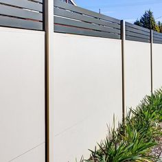 A wide variety of slats, infills, lighting and accessories are available with a SlimWall™ fence. Learn more about how customisable the fence design can be.