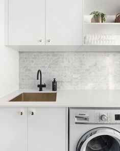 Kitchen Marble Splashback Laundry Rooms New Ideas Laundry Nook, Small Laundry Rooms, Laundry In Bathroom, Laundry Cupboard, Laundry Storage, Grey Kitchens, Home Kitchens, Interior Design Kitchen, Kitchen Decor