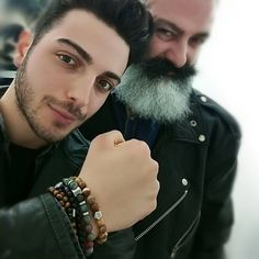 Repost vin.diluca    a great honor to greet my friend @gianginoble11 with @ilvolomusic flight for his US tour luck see you soon  .  un grande onore poter salutare il mio amico @gianginoble11 prima della sua partenza per il tour degli Stati Uniti con @ilvolomusic