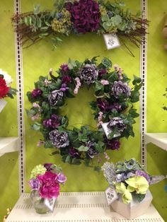 Design by Kelly Wilson (Michaels Floral Designer)