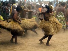 Must visit Africa Arte Tribal, Tribal Dance, Shall We Dance, Lets Dance, African Dance, African Art, Africa Tribes, Rose Croix, Black Dancers