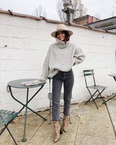 15 Trendy Autumn Street Style Outfits For This Year - fall outfits simple denim outfits fall fashion outfits, cute fall outfits fall outfits fall outfit ideas autumn outfits, 2019 fall fashion trends womens, fall fashion must haves, autumn outfits 2019 Winter Outfits For Teen Girls, Fall Winter Outfits, Autumn Winter Fashion, Winter Clothes, Spring Outfits, Winter Chic, Rainy Day Outfit For Fall, Rainy Outfit, Boho Fashion Fall