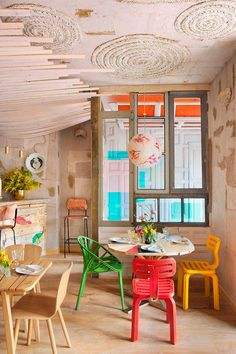 Modern dining color /Restaurant Mama Campo in Madrid, Spain