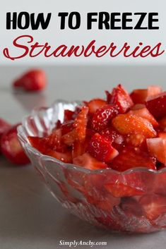 How to freeze strawberries – frozen strawberries are perfect for smoothies, pancakes, muffins ... YOU NAME IT! Here is the EASIEST step by step guide how to prepare and freeze strawberries whole and cut into cubes, so you can use them in any recipe you can imagine. | #frozenstrawberries #howtofreezestrawberries #strawberries | simplyanchy.com