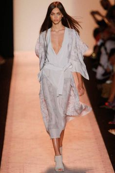 BCBG Max Azria Spring 2015 Ready-to-Wear Collection Slideshow on Style.com