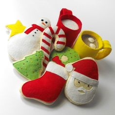 Felt Food Pattern- Christmas Cookies, Hot Cocoa and Milk (Santa, Wreath, Tree, Candy Cane, Snowman, Star, Stocking, Cocoa and Milk Mug) by GulfCoastCottagePDF on Etsy https://www.etsy.com/listing/62861444/felt-food-pattern-christmas-cookies-hot
