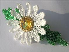 Beaded Jewelry, Beaded Bracelets, French Beaded Flowers, Flower Fashion, Flower Tutorial, Flower Brooch, Flower Crafts, Bead Weaving, Beads