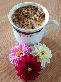 Coffee And You: A Practice Guide On Coffee Drinking - Ultimate Coffee Cup Coffee Cafe, My Coffee, Coffee Drinks, Coffee Shop, Good Morning Coffee, Coffee Break, Café Chocolate, Coffee Flower, Chocolate Caliente