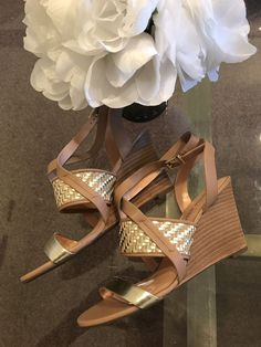 6d7f2c6f8f0 Wedge Sandals Gold Nude Weave Julianne Hough Sole Society size 9.5  fashion   clothing