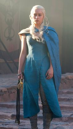 Daenerys Targaryen season 3 blue dress