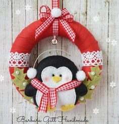 Lemoncraft: inspired by Basia - Inspirations from Basia Christmas Projects, Felt Crafts, Christmas Crafts, Christmas Ornaments, Christmas Sewing, Noel Christmas, Felt Decorations, Christmas Decorations, Felt Wreath