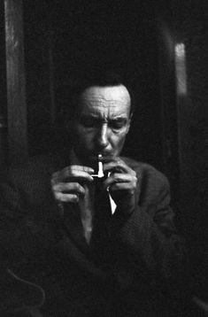Legendary photographer Harold Chapman talks about the Beat Hotel, Blues, Jazz, Paris, and Beat Generation – Blues.
