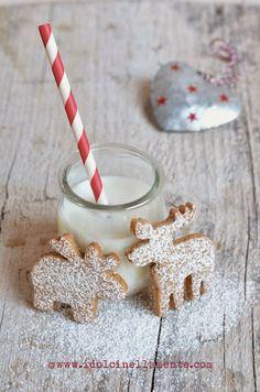 I dolci nella mente: Christmas Time: Biscotti alla nocciola speziati...e in partenza per il paese di Babbo Natale