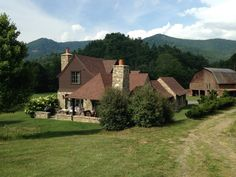 Luxurious Mountain Home--The Willow - Houses for Rent in Canton, North Carolina, United States Cold Mountain, Mountain Cottage, Willow House, Gated Community, Travel Bugs, Future Travel, National Forest, Renting A House, North Carolina