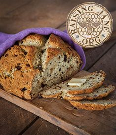 Gluten-Free Quinoa & Currant Soda Bread Prep Time: 20 Minutes, Plus 15 Minutes Resting Time Cook Time: 50-55 Minutes Makes: 1 Loaf