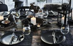 Nature-inspired winter table-setting ideas Nature-inspired winter table-setting ideas IKEA The post Nature-inspired winter table-setting ideas appeared first on Esstisch ideen. Ikea Table, Dining Room Table, Teen Bedroom Inspiration, Design Inspiration, Winter Centerpieces, Winter Table, Interior Design Living Room, Table Settings, Restaurant