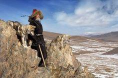 Valokuvaaja löysi Mongoliasta unohdetun heimon, jolla on ainutlaatuinen suhde villin luonnon kanssa | Newsner
