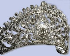 Diadem of the Grand Duchess Elena Vladimirovna of Russia, wife of Prince Nicolas of Greece. Circa early 1900s. It was later inherited by their daughter the Princess Olga of Greece who married Prince Paul of Yugoslavia
