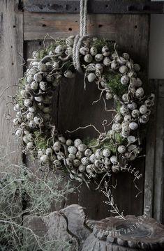 Le plus chaud Aucun coût couronne Fleurs diy Style Christmas Holidays, Christmas Wreaths, Christmas Decorations, Holiday Decor, Fleurs Diy, Arte Floral, Easter Wreaths, Diy Wreath, Wreath Ideas
