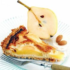 Tart With Pears & Goat Blue Cheese: Delicate almond and rye cake with sweet pears and goat blue cheese. Perfect for autumn evenings. My Recipes, Favorite Recipes, Dessert Recipes, Blue Cheese, Goat Cheese, Sweet Pie, Mini Pies, Sweet Desserts, Pears