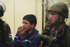 NON A LA TORTURE DES ENFANTS PALESTINIENS!  PAS DE COMPLICITE AVEC LEURS TORTIONNAIRES!  Chaque jour l'armée d'occupation israélienne enlève des enfants palestiniens à leur domicile, le plus souvent en pleine nuit, pour les embarquer menottés et les yeux bandés vers des centres d'interrogatoire, où ils subissent des tortures physiques et psychologiques: ligotés dans des positions inconfortables sans pouvoir dormir, parfois frappés, menacés de sévices sexuels et d...