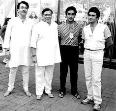 Raj Kapoor, Randhir Kapoor, Rishi Kapoor e Rajiv Kapoor Rajiv Kapoor, Randhir Kapoor, Rishi Kapoor, Kareena Kapoor Khan, Bollywood Cinema, Bollywood Stars, Bollywood News, Vintage Bollywood, Indian Bollywood