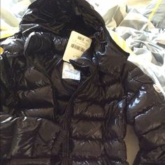 """Moncler coat (women's) Black size 2 which is like a 4,6 I'm 5'4"""" about 143lbs. Jackets & Coats Puffers"""