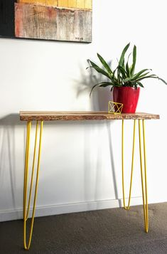 Console / Hall table by FabianaLoschi on Etsy Timber Furniture, Cat Furniture, Indoor Trees, Entryway Tables, Console Tables, Green Table, Hairpin Legs, Contemporary Interior Design, Etsy Shop