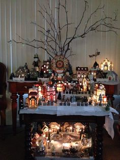 A Christmas Village 2013 #lemax #deparment56 #mrchristmas....Build on the floor! Never thought about that...another level.