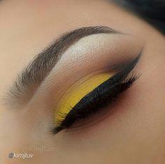Wearable Yellow Eye