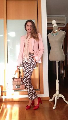 """Day seven of the """"essential wardrobe to the test"""" challenge! I hope you like it and thanks for following. A happy day to you all. Love, Raquel.  #LiveLoveLaugh #Challenge #ootd #challengeyourself"""