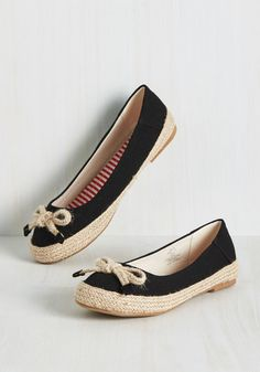 Time and Pace Flat. You picked the ideal environment for a friend date, now set a casual tone with these black canvas flats! #black #modcloth