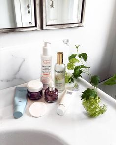 6 American Skincare Products a French Skincare Developer Would Never Use Best Red Wine, French Skincare, The Ordinary Skincare, French Girl Style, French Beauty, Skin Care Regimen, French Nails, Beauty Routines, Beauty