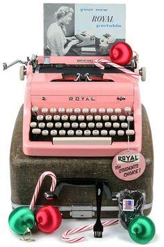 1955 Pink Royal Quiet De Luxe Typewriter / Professionally Serviced / Pink Typewriter / Royal Typewriter / Working Typewriter / Writer Gift