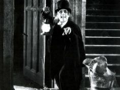 """Lon Chaney in """"London After Midnight"""" Classic Horror Movies, Horror Films, London After Midnight, Lon Chaney, Gothic Horror, Universal Studios, Macabre, Old Things, Black And White"""