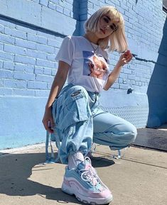 fashion urban streetstyle sneakers style streetwear Source by giannabellabert fashion urban Cute Casual Outfits, Edgy Outfits, Mode Outfits, Retro Outfits, Urban Outfits, Casual Ootd, Teenage Outfits, Teen Fashion Outfits, Girl Outfits