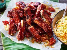 Hawaiianische Luau-Rippchen Our popular recipe for Hawaiian Luau Ribs and over more free reci Luau Food, Kalua Pork, Tasty, Yummy Food, Spare Ribs, Hawaiian Luau, Rabbit Food, Rib Recipes, Rabbit Recipes